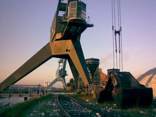 Handyfotografie:Hafen-Still Düsseldorf-Neuss