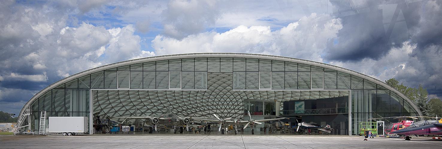 Hangar 8 Salzburg Flughafen