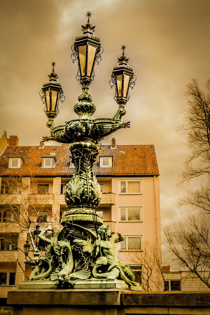 Hannover - Statue mit Laterne