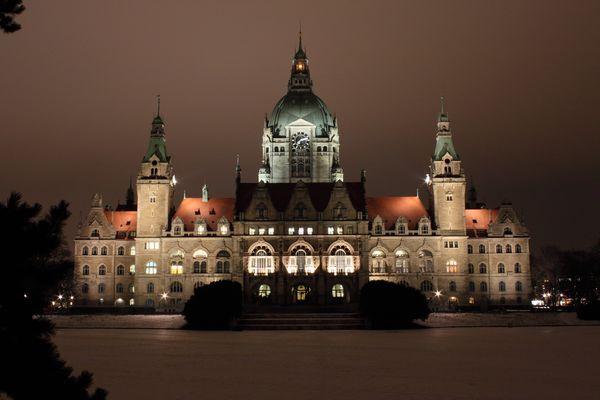 Hannoveraner Rathaus bei Nacht
