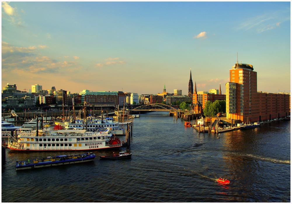 Hanseatic Trade Center am Niederhafen