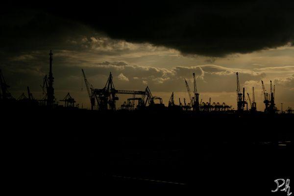 Harbor_Hamburg
