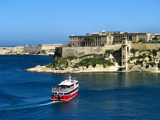 Harbour Cruise Near Ta' Bighi