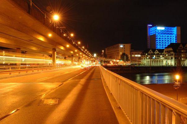Hardbrücke und Bluewin-Tower