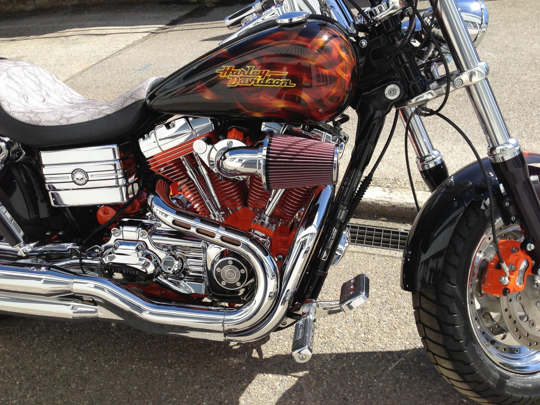 Harley bei den ersten Sonnenstrahlen