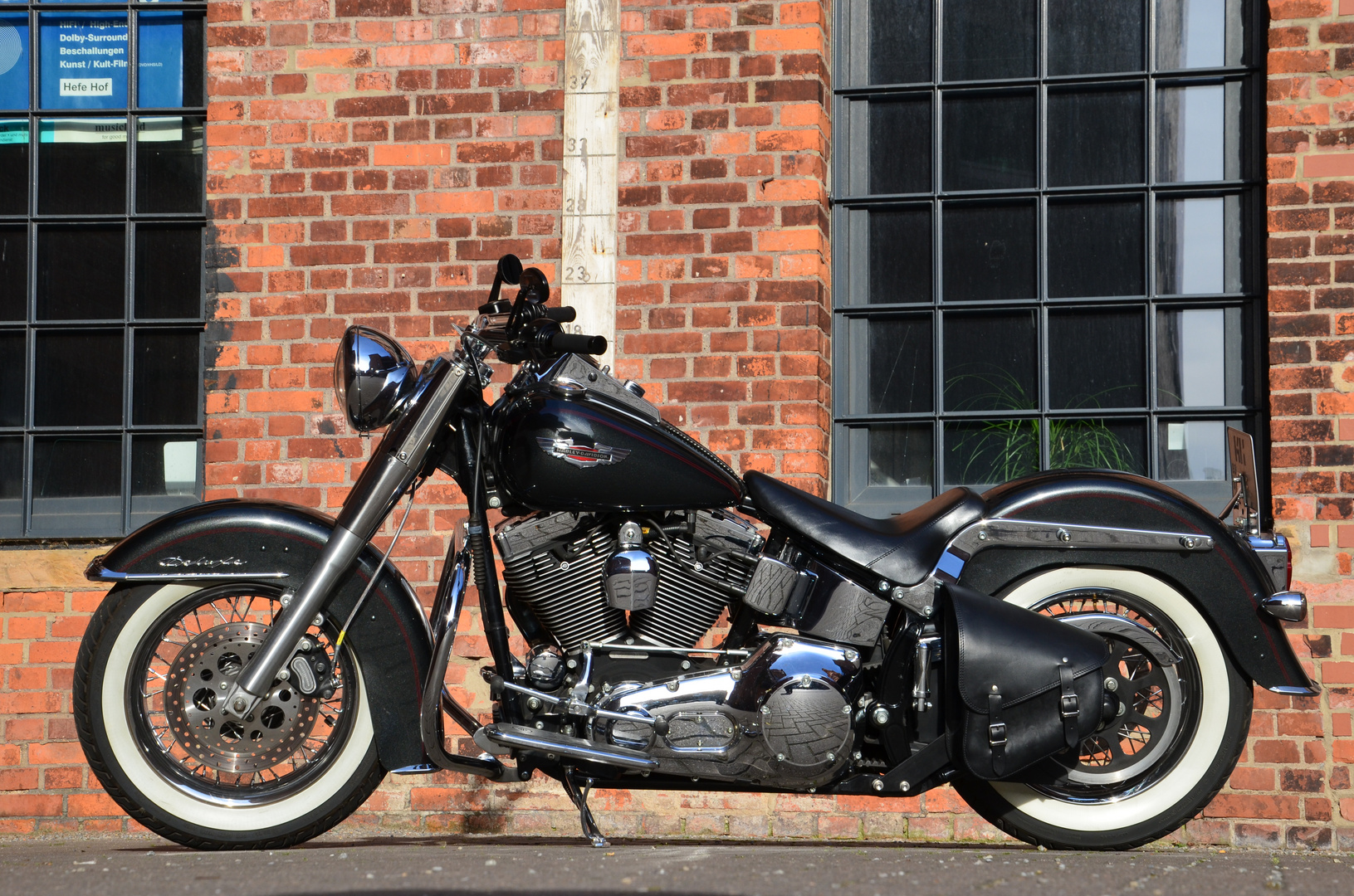 Harley Davidson Deluxe Softail