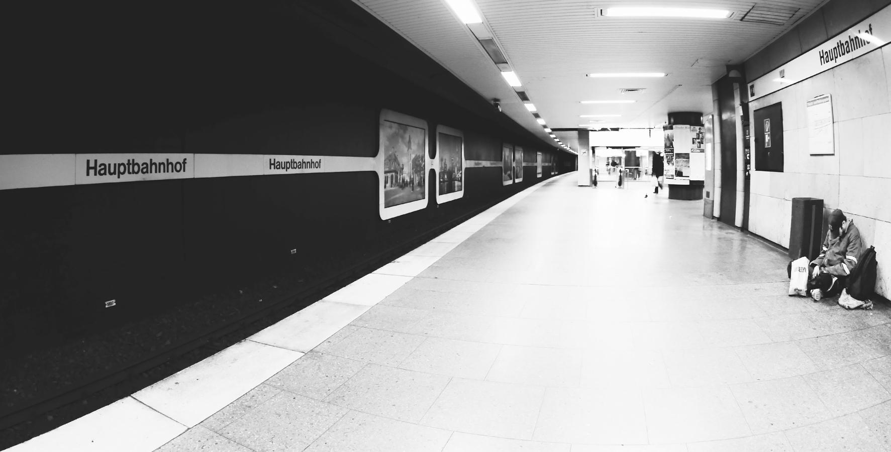 Hauptbahnhof ...