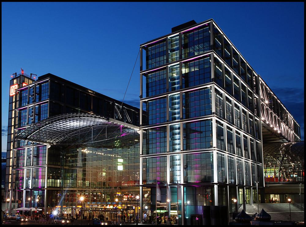 """Hauptbahnhof  Berlin """"Festival of Lights 2008"""""""