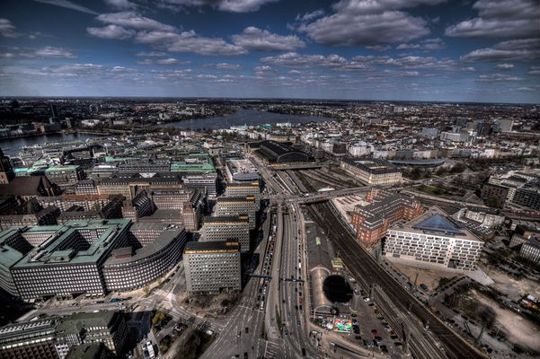 Hauptbahnhof und Alster
