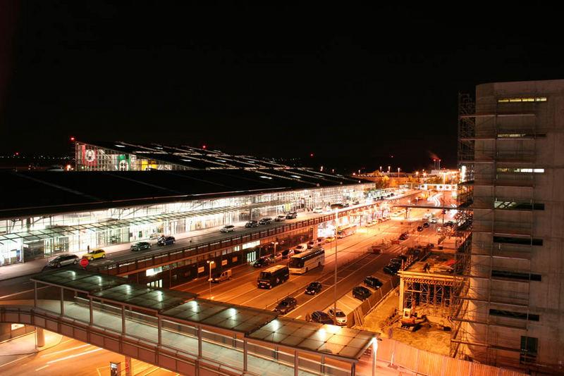 Haupteingang Flughafen Stuttgart