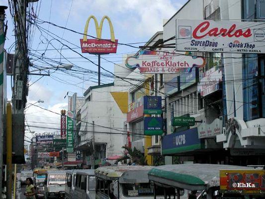 Haupteinkaufstraße in Lucena-City / Quezon