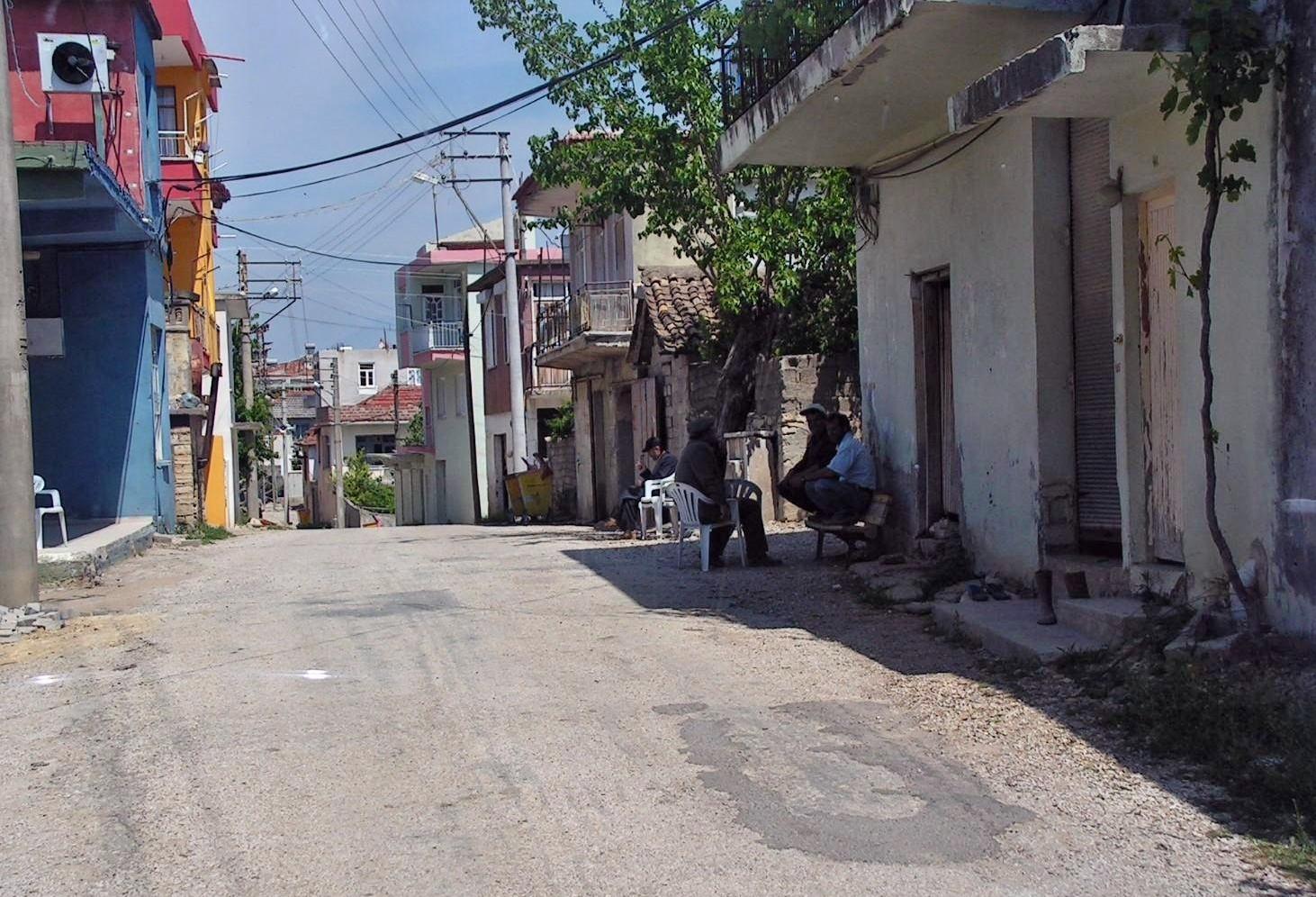Hauptstrasse im Dorf Bogazkent-Türkei