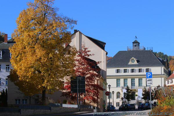 Hauptstraße mit Uhrenmuseum.
