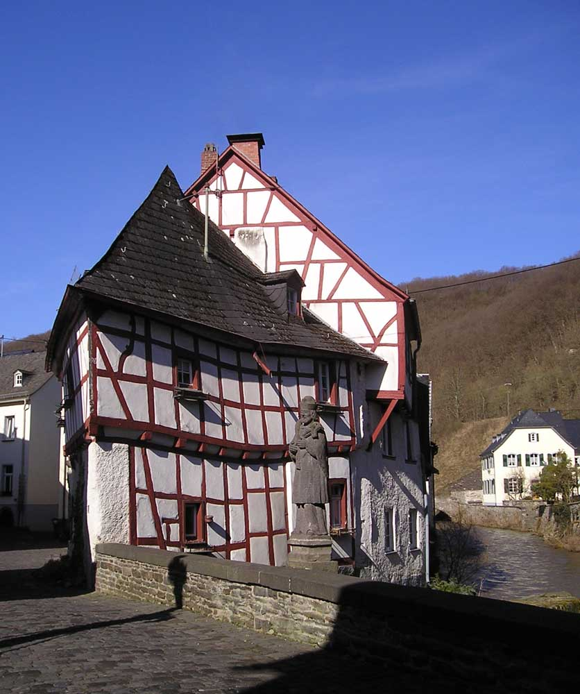 Haus in Monreal