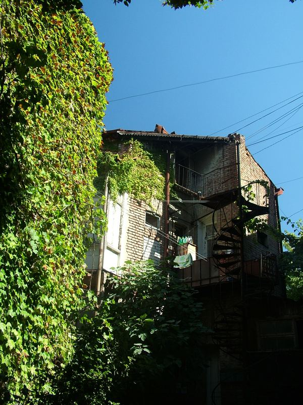 Haus in Tbilisi im Sommer 2006