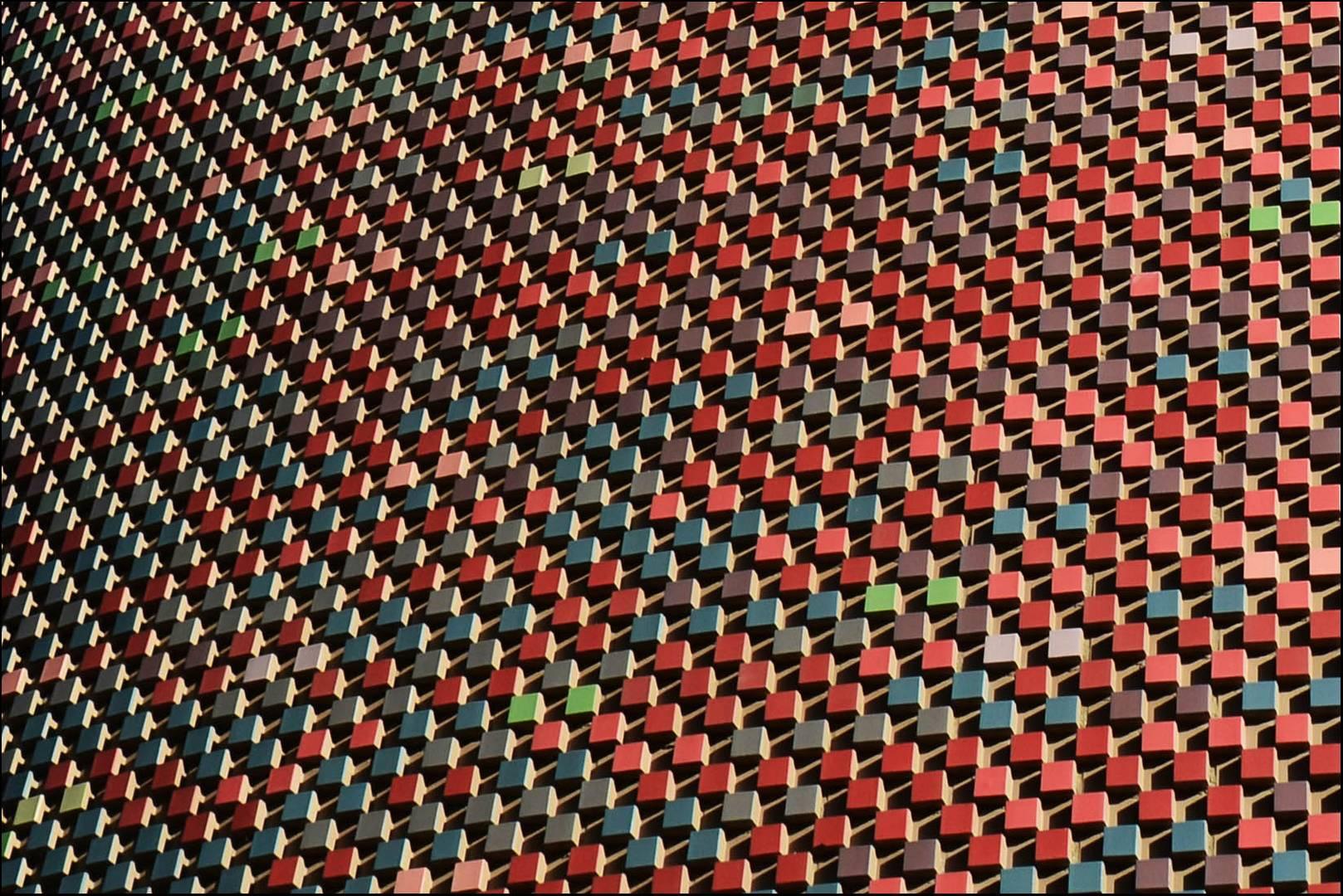 Haus K - Sauerbruch Hutton - Abstrakt und ziemlich rot