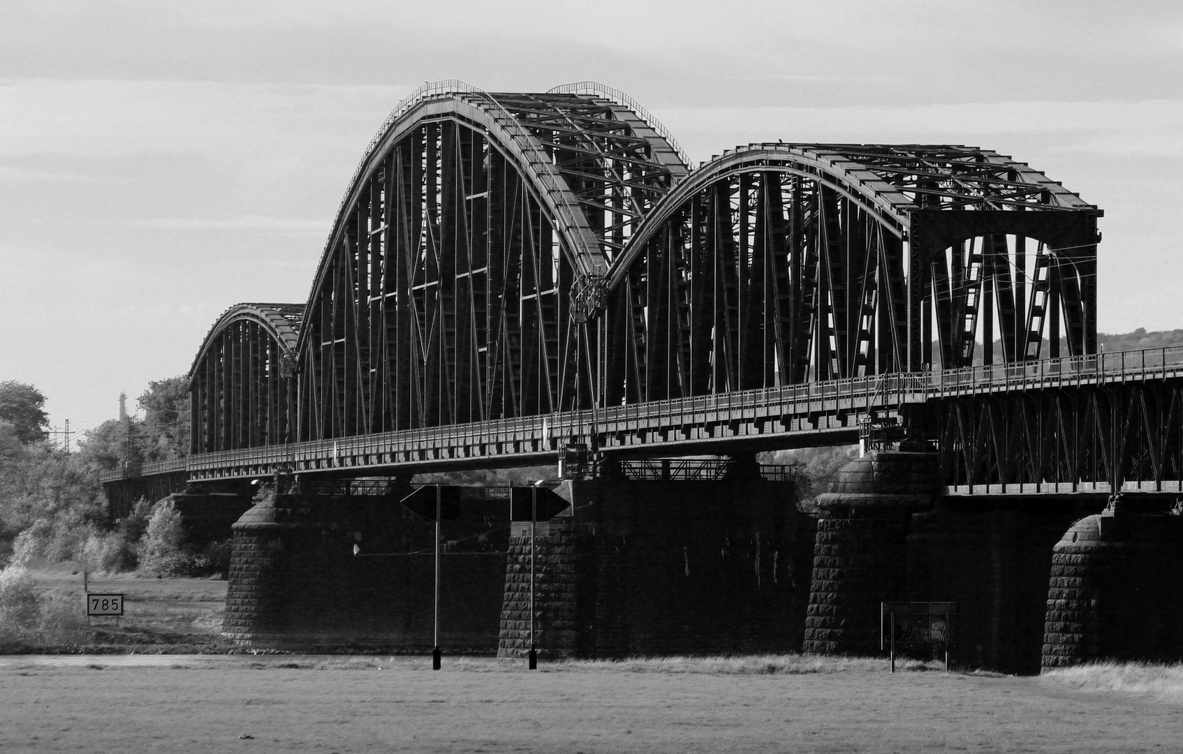 Haus Knipp Eisenbahnbrücke