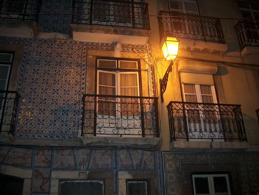 Haus mit Azulejos in der Alfama