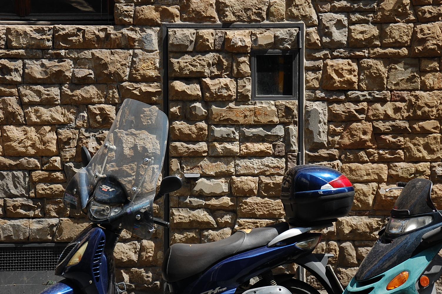 Haus-Tür oder Wand-Tür