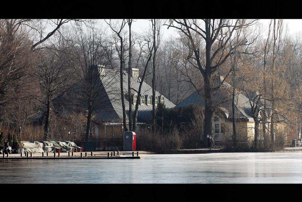 Haus vor dem See