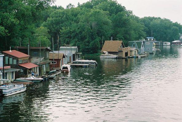 Hausboot zu vermieten !