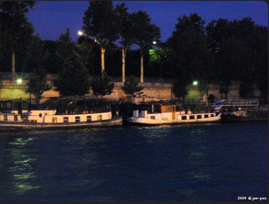 Hausboote auf der Seine