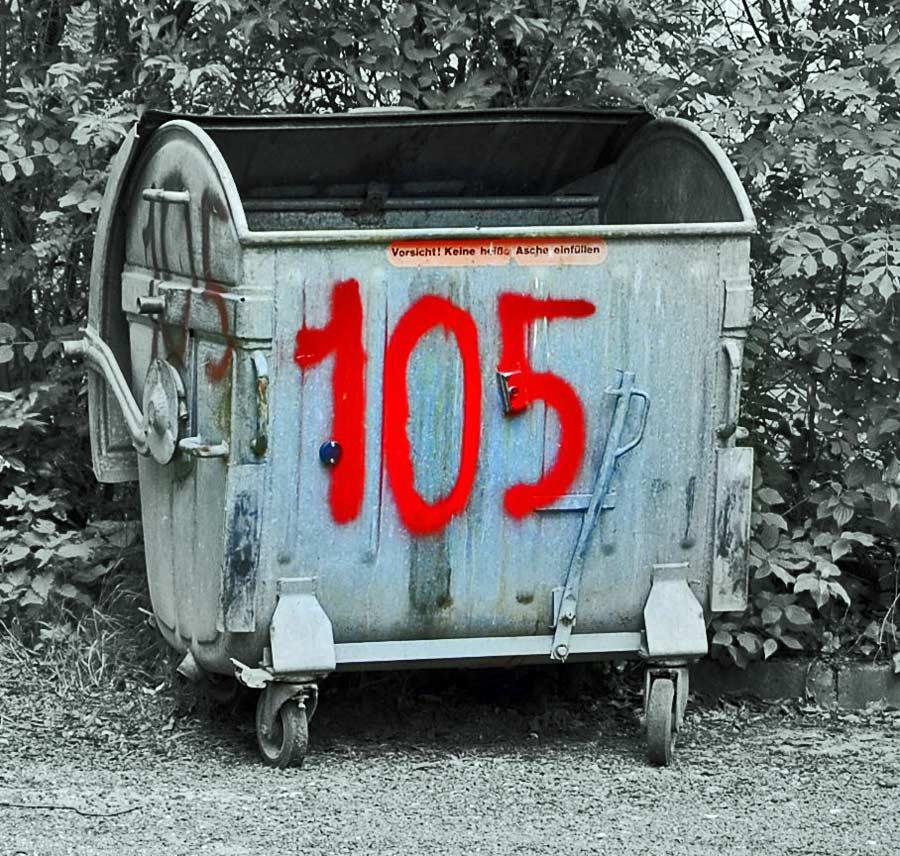 Hausnummer, Briefkasten und Müllcontainer?