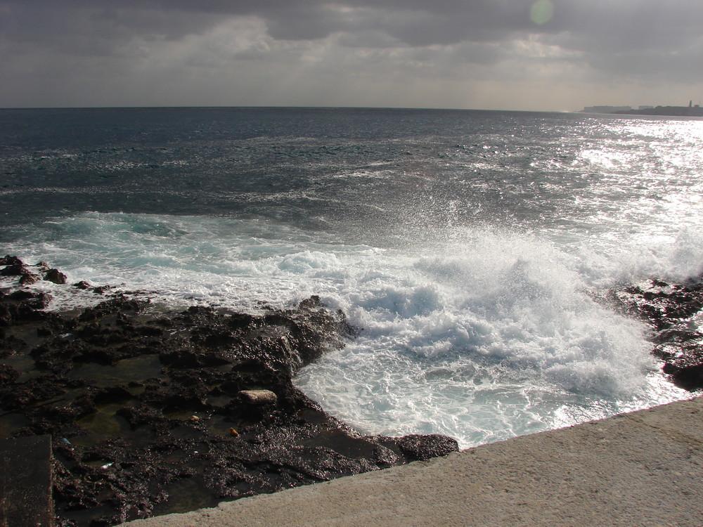 Havana - Blick vom Malecon auf den Atlantik