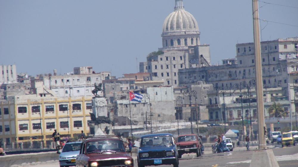 Havana - Blick vom Malecon auf Habana