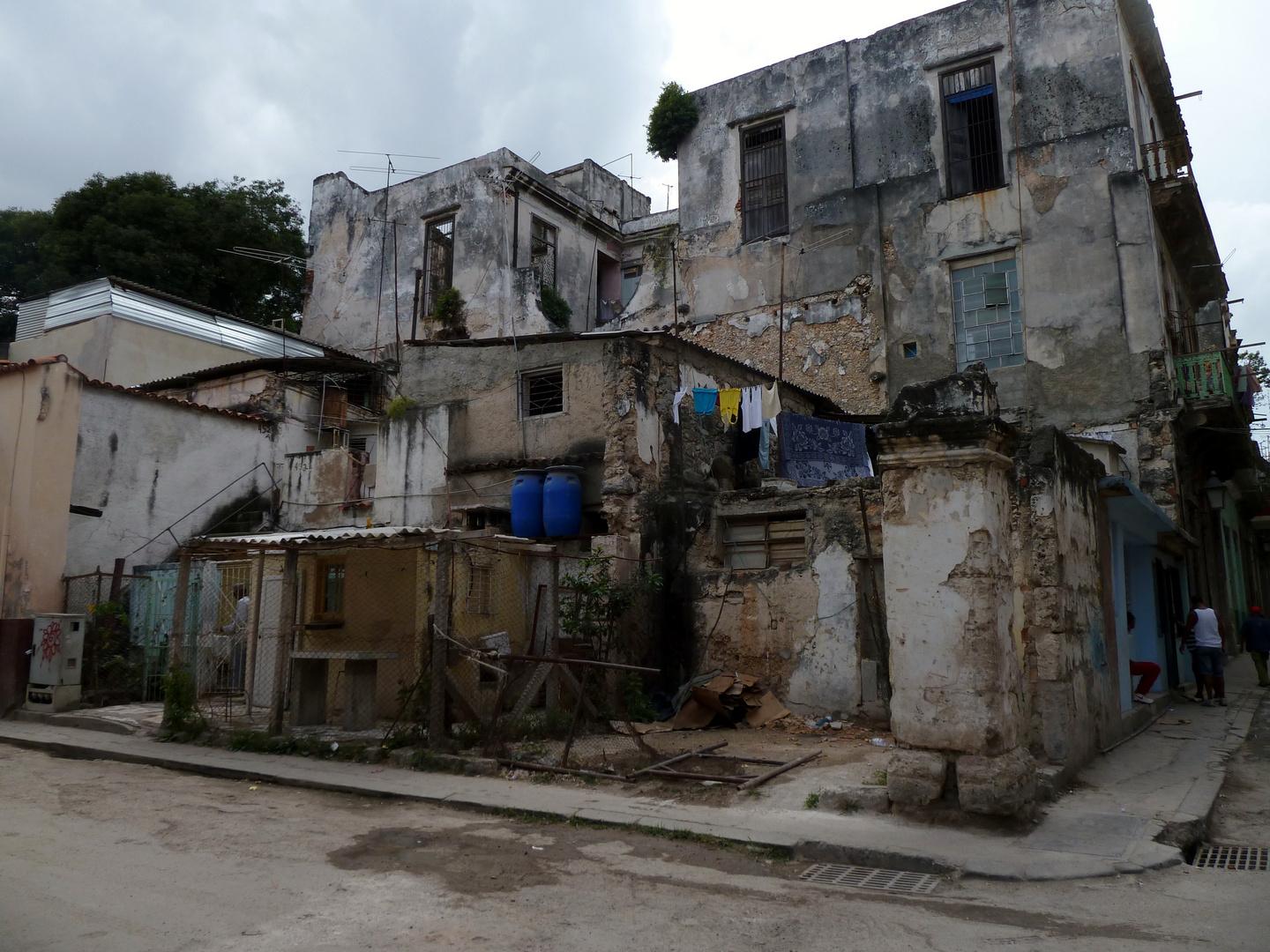 Havanna, die häßliche - Leben in Ruinen