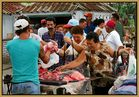 ¡Hay carne! - Wochenmarkt in Baguanos / Cuba