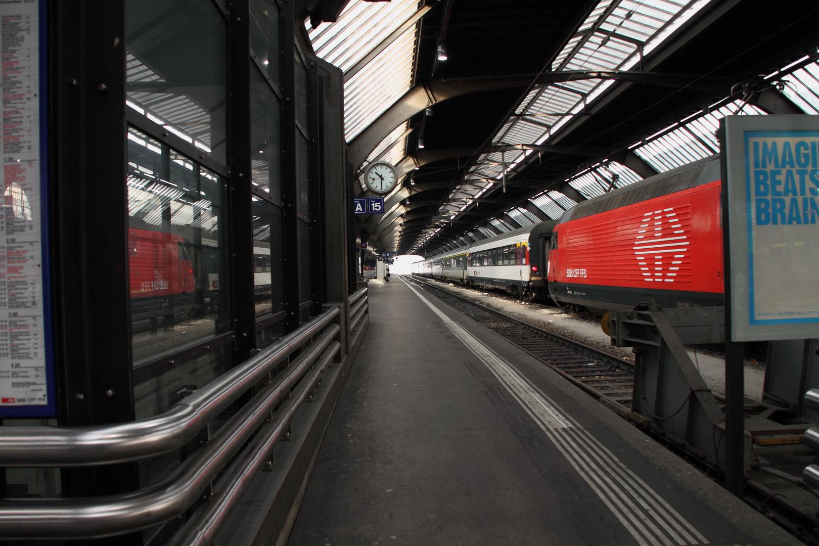 HB Zürich - Gleis 15