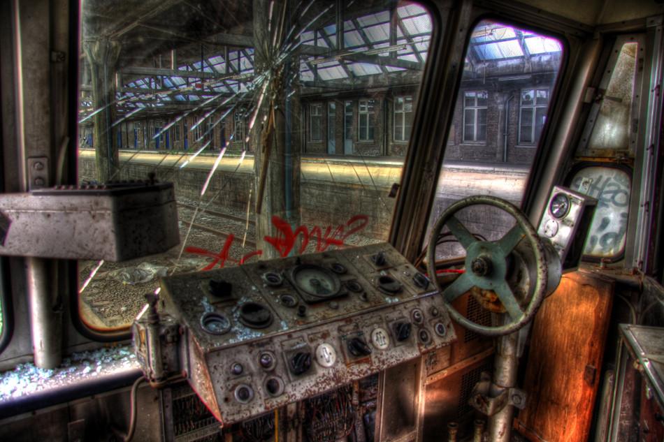 HDR - Bahnhof Belgien 02