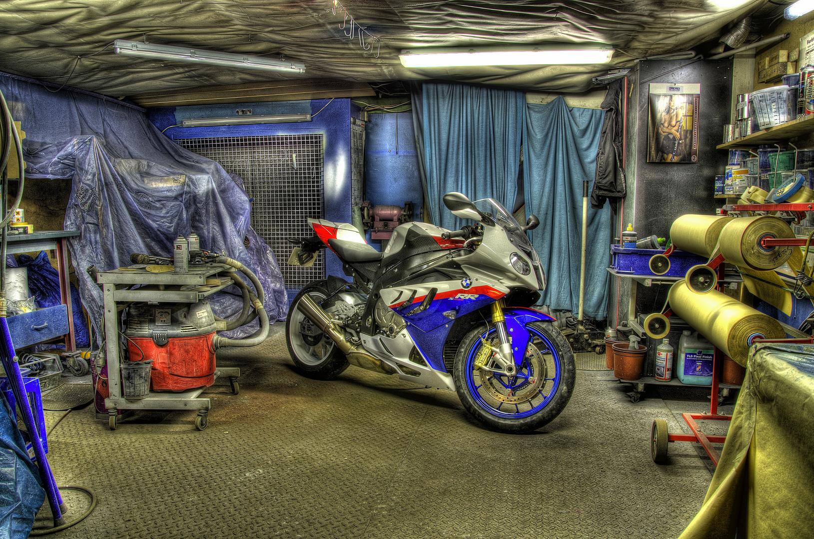 HDR BMW 2