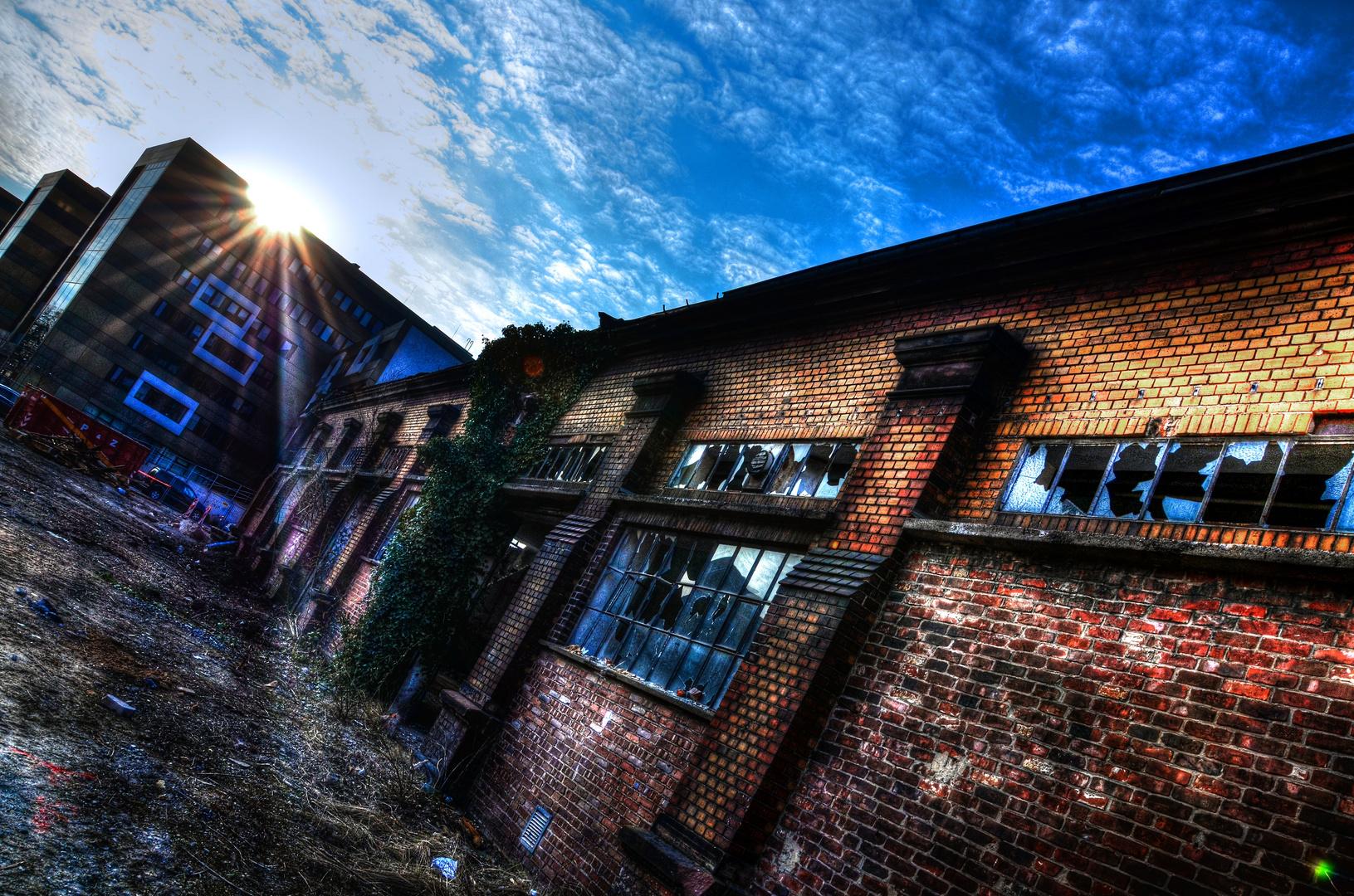 HDR einer verlassenen Halle in Düsseldorf - City