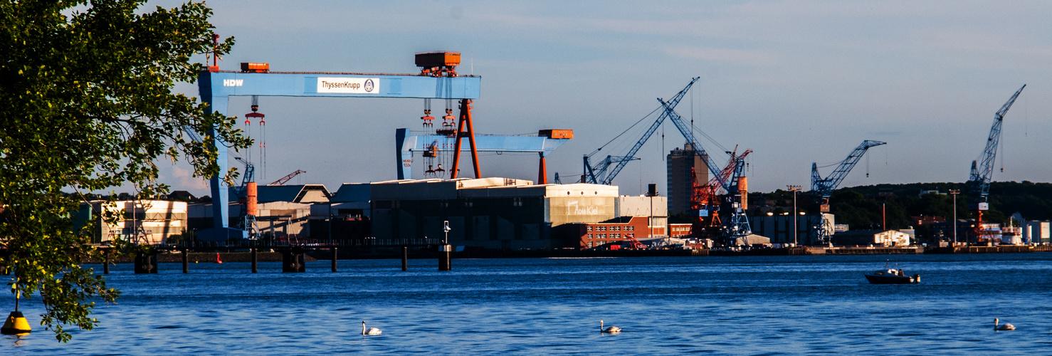 HDW in Kiel aus Sicht von Mönkeberg