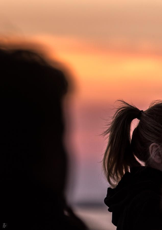 hear the sunset singing