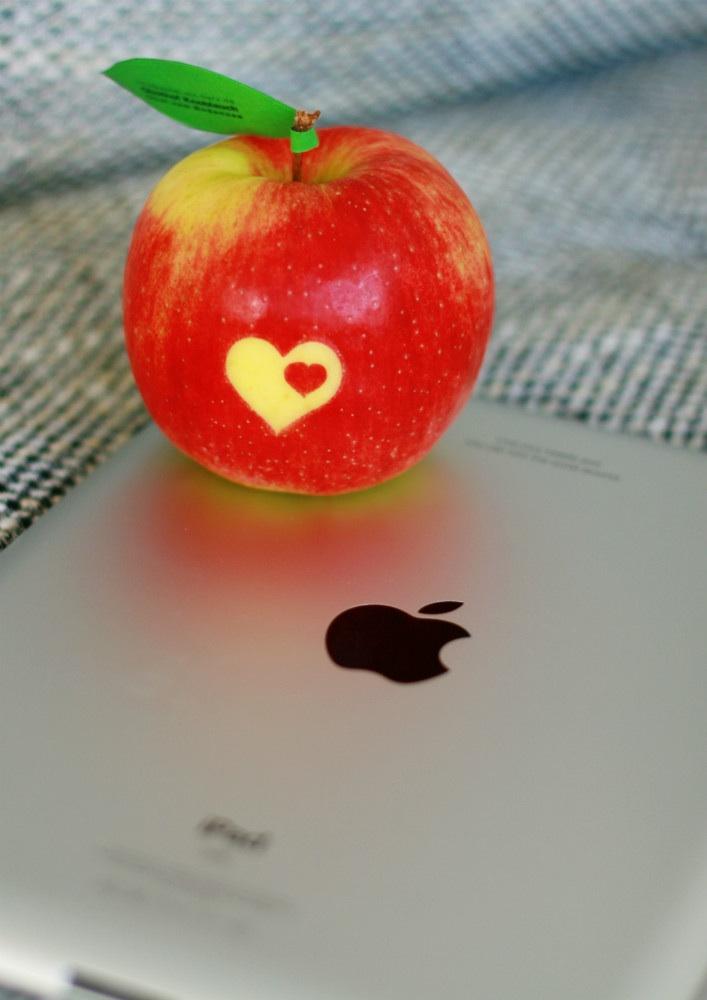 * Heart & Apple *