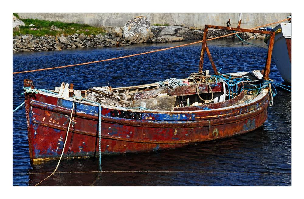 Hebridean Tour:           Wee Fishing Boat - Fischerboot