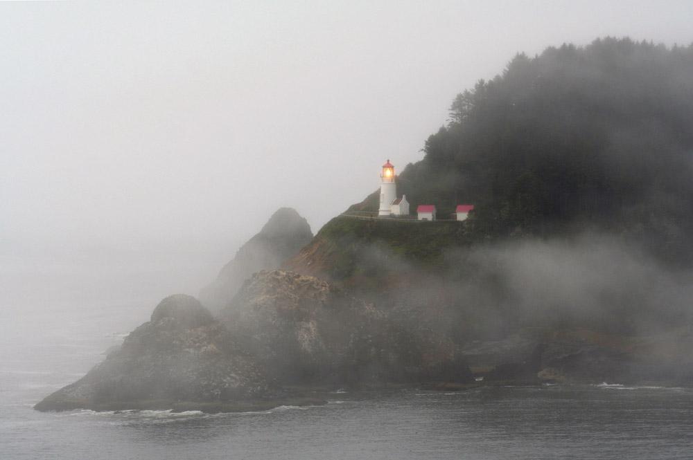 Heceta Leuchtturm im Nebel