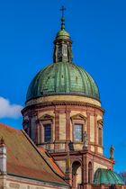 Hedinger Kirche Details mit beiden Figuren