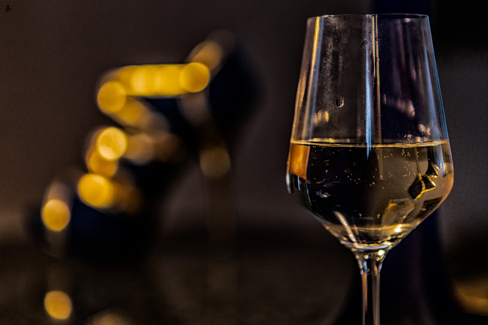 heels in white wine