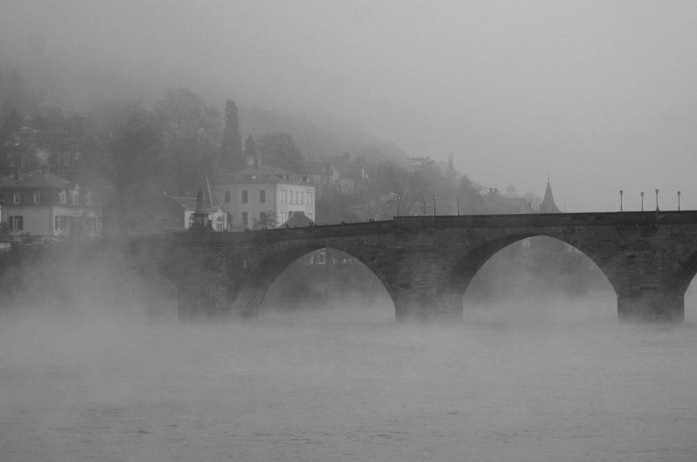 Heidelberg im Nebel S/W