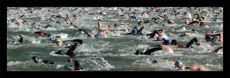 HeidelberMan 2007 - Schwimmstart an der alten Brücke