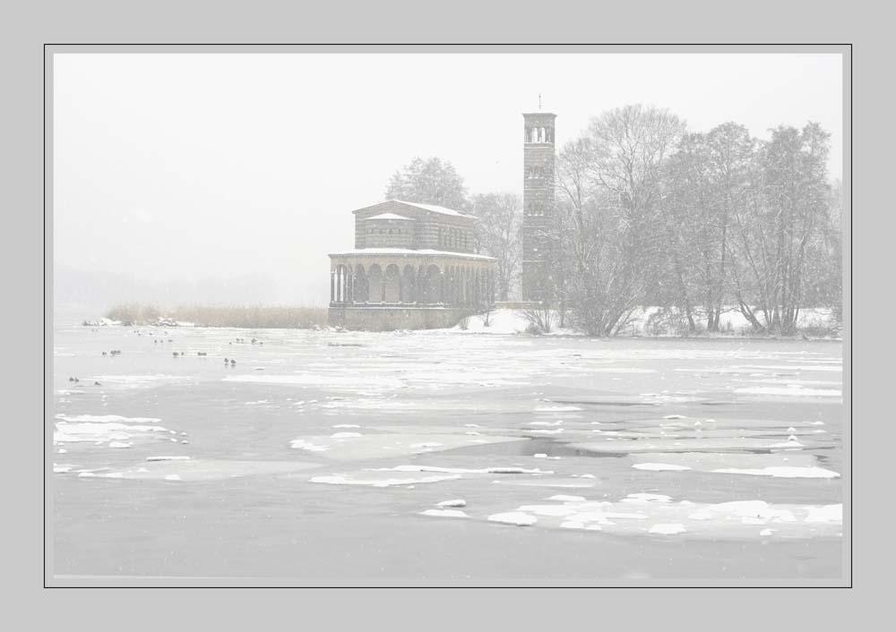 Heilandskirche im Schnee