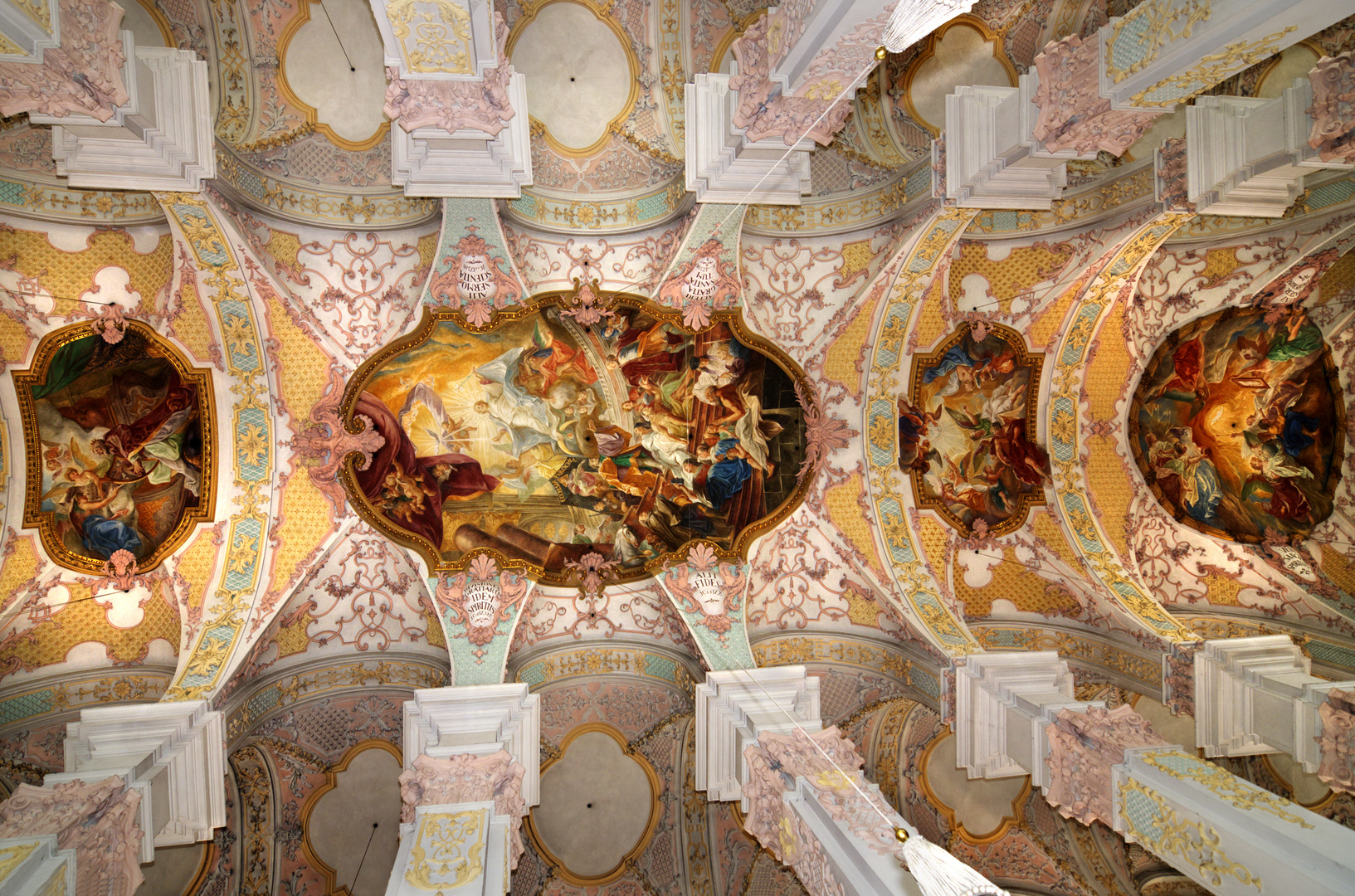 ::. Heilig-Geist-Kirche .::