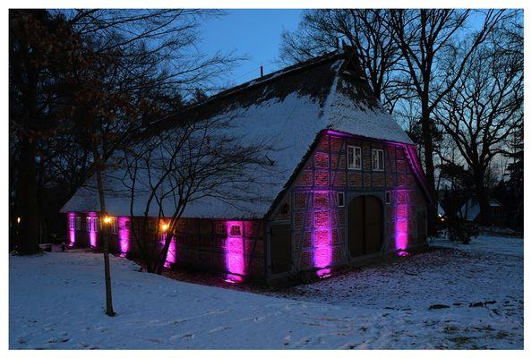 Heimathaus in Jesteburg mit Kunst Beleuchtung