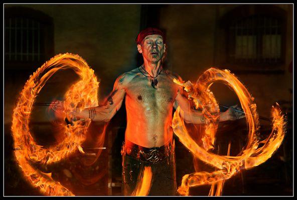 Heiße Spiele :: Feuermeditation