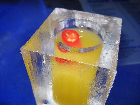 heißer Drink in coolem Becher