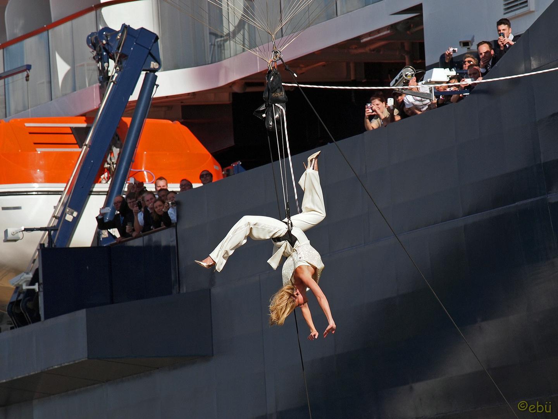 Helene ... Akrobatik vor der Taufe!